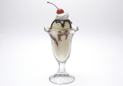 ice cream sundae2 253x177 - 6 Small Tweaks To Guide You Out of Your Weight Loss Stranglehold