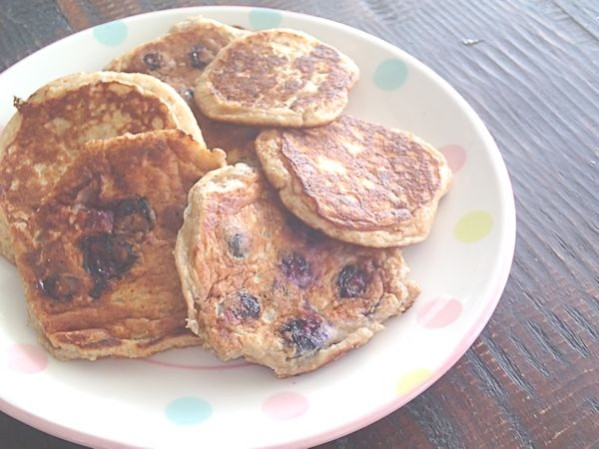 P5200285 599x449 - Sugar Free Wholemeal Pikelets - School Snack Idea