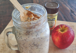 Cinnamon spiced apple and coconut overnight oats