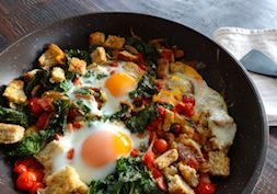 Clean and green breakfast hash