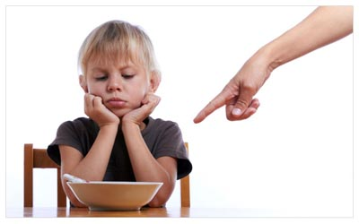 7 things your shouldn't say to your kids at meal times