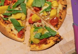 Slow Cooker Low Sugar Pulled Pork Pizzas With Mango