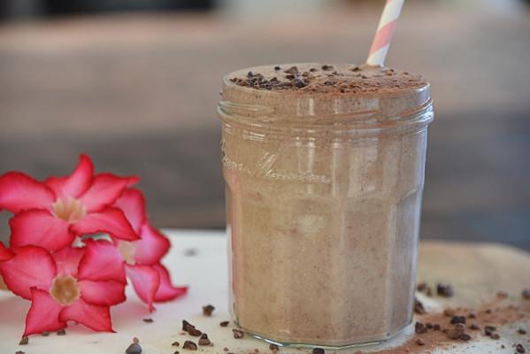 chocsmoothie 599x400 - Decadent, Thick Hot Chocolate Smoothie