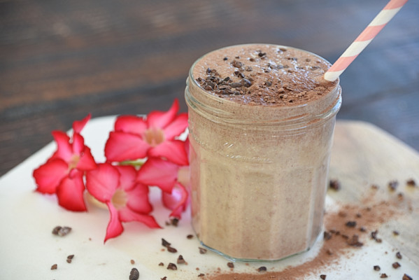 smoothie2 599x400 - Decadent, Thick Hot Chocolate Smoothie
