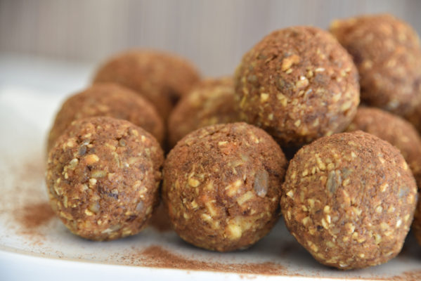 carrotballs 599x400 - Carrot Cake Dough Bliss Balls - Healthy Snacks
