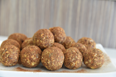 healthy carrot cake balls
