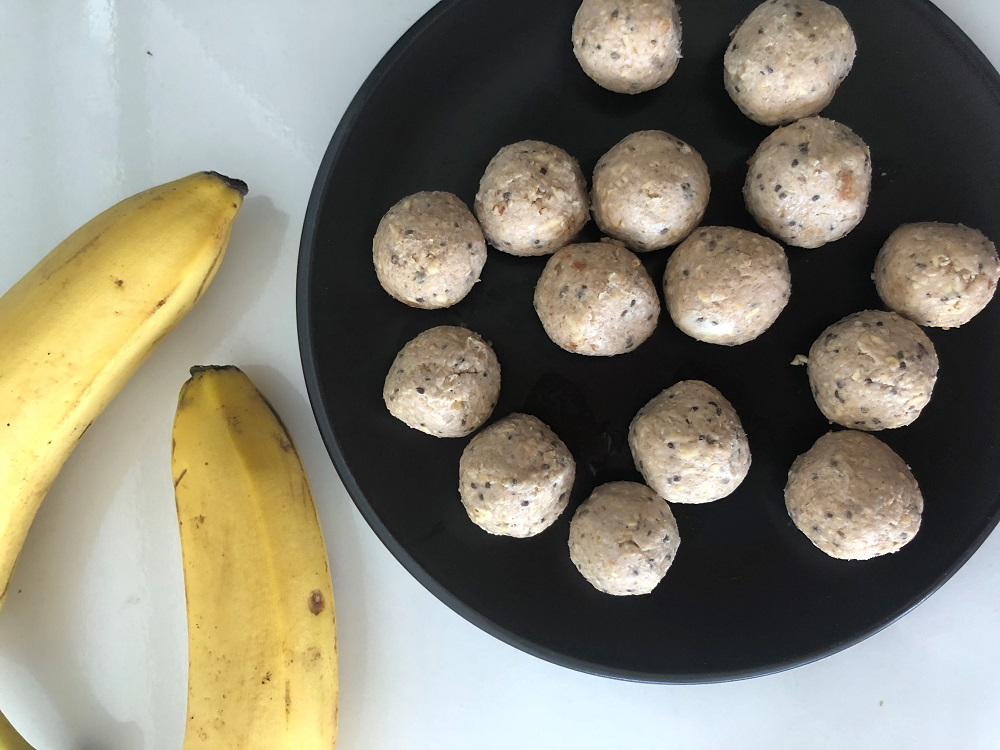 bananablissballs - Banana Cake and Lemon Cheesecake Bliss Balls (both date free!)