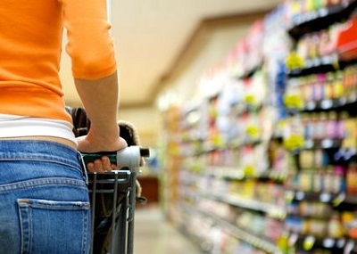 supermarket shopping saving - What to look for in your kids snack foods (and what to stay away from)