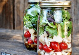 5 Healthy salad-spiration mason jars