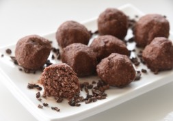 Strawberry Delite Bombs with Seductive Cocao Dipping Sauce